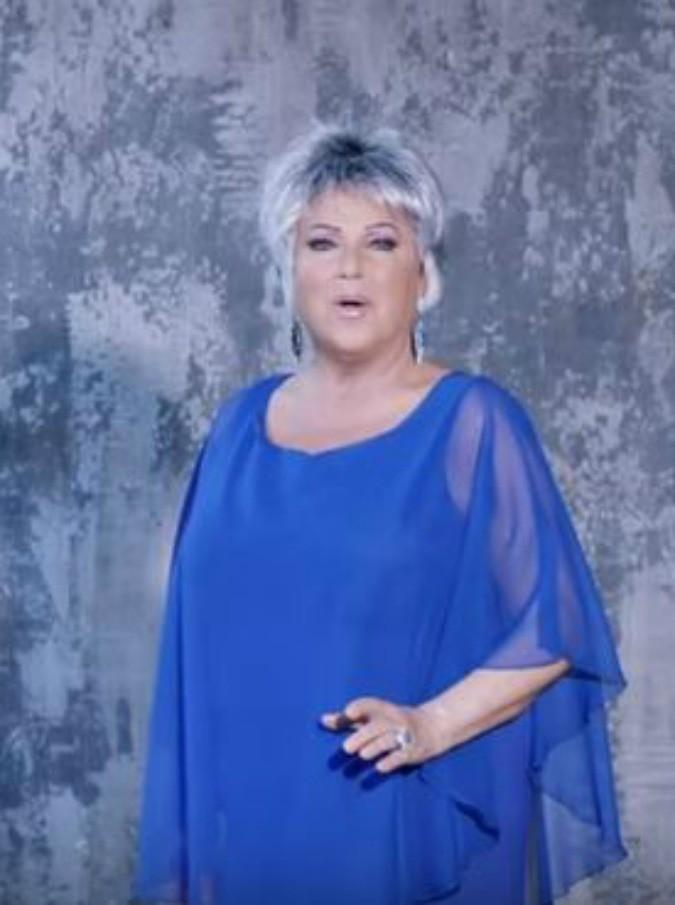 Orietta Berti, a 70 anni il primo videoclip con Dietro un grande amore (VIDEO)