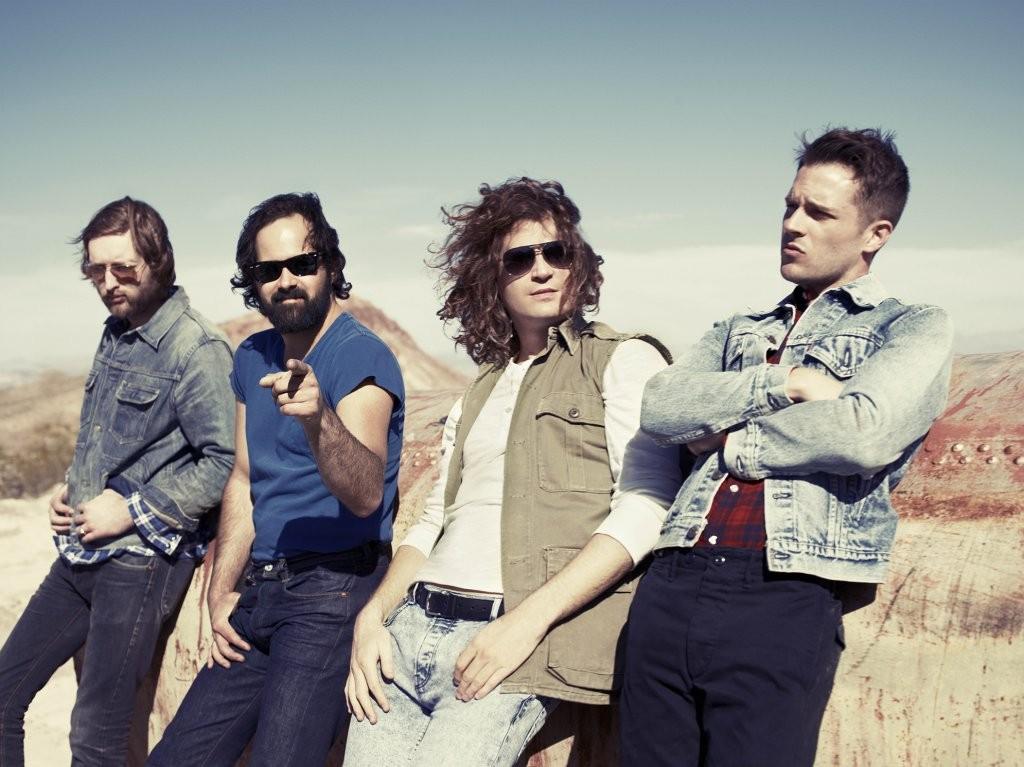 """The Killers: il nuovo singolo natalizio è """"Dirt Sledding"""" (FOTO)"""